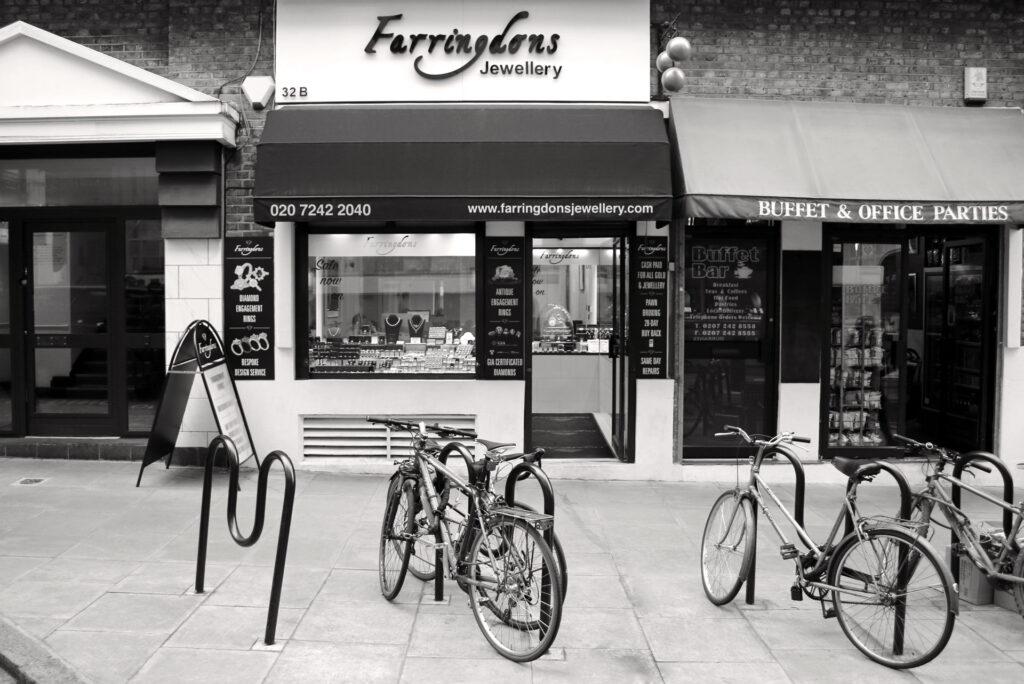 farringdons-bw
